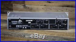 DBX 586 Vacuum Tube Mic Preamp Limiter EQ Equalizer U080182