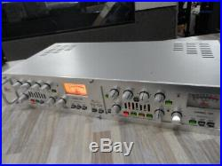 Dbx 586 DUAL VACUUM TUBE PREAMP Stereo Pre-Amp & Parametric EQ Excellent