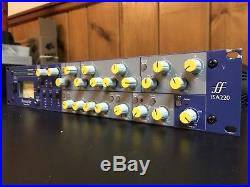 Focusrite ISA 220 Session Pack Preamp