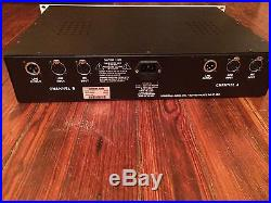 Universal Audio 2-610 Dual Channel Tube Microphone/Instrument Preamplifier